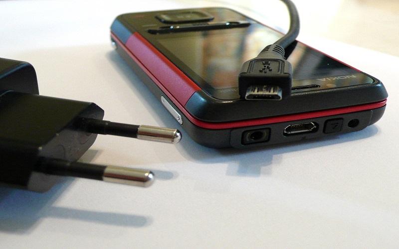 top 5 smartphones avec la meilleure autonomie. Black Bedroom Furniture Sets. Home Design Ideas