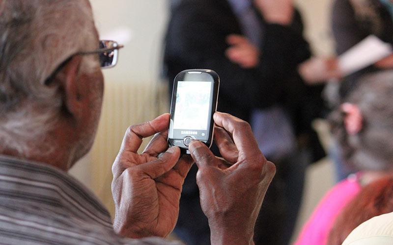 Telephone Mobile A Prix Reduit Pour Seniors By Orange Tunisie